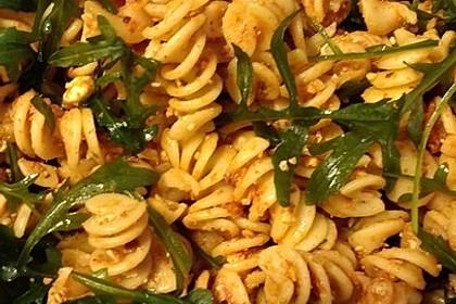 Italienischer Nudelsalat mit getrockneten Tomaten und Schafskäse 10