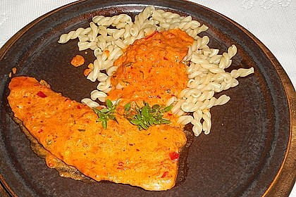 Schnitzel in Paprika - Rahmsauce 2