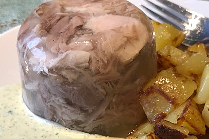 Illes fettarme Eisbeinsülze mit Gemüse 1
