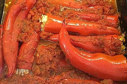 Gefüllte Spitzpaprika mit Couscous (Bild)