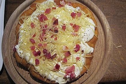 Ungarische Langos mit Knoblauchcreme und Käse 9