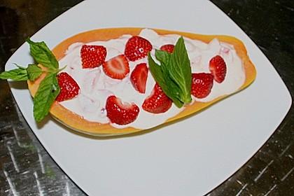 Erdbeeren auf Papayabett 1