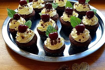Schwarzwälder Kirsch Cupcakes 7