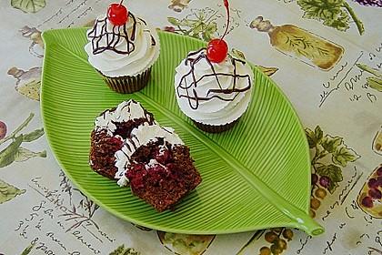 Schwarzwälder Kirsch Cupcakes 11