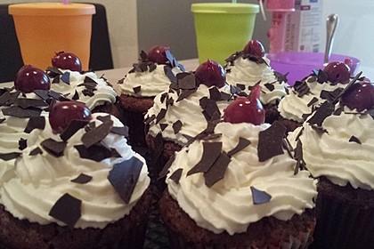 Schwarzwälder Kirsch Cupcakes 59