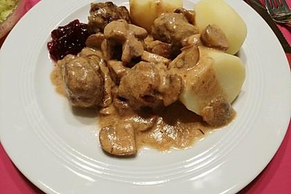 Köttbullar mit Champignon-Rahmsauce 45