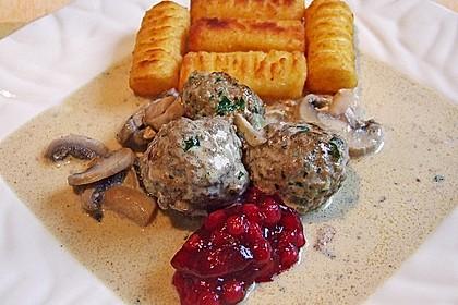 Köttbullar mit Champignon-Rahmsauce 4