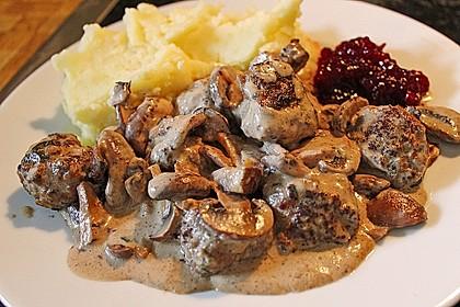 Köttbullar mit Champignon-Rahmsauce 8