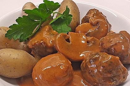 Köttbullar mit Champignon-Rahmsauce 12