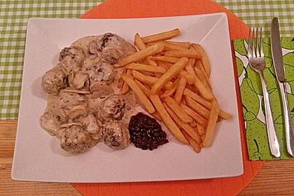 Köttbullar mit Champignon-Rahmsauce 32