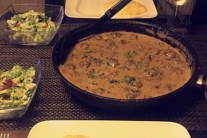 Köttbullar mit Champignon-Rahmsauce 50