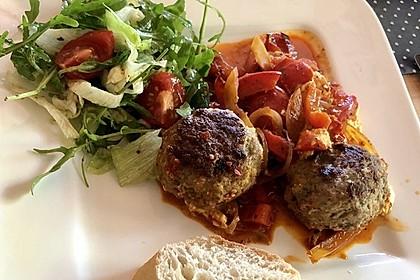 Chilibällchen mit Fetakäse und Paprikagemüse 7
