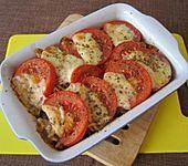 Nudelauflauf mit Schinken, frischen Tomaten und Kräuterschmand (Bild)