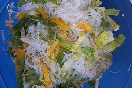 Thailändische Glücksrollen mit Gemüse