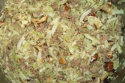 Blätterteigrolle gefüllt mit Gemüse und Hackfleisch 6