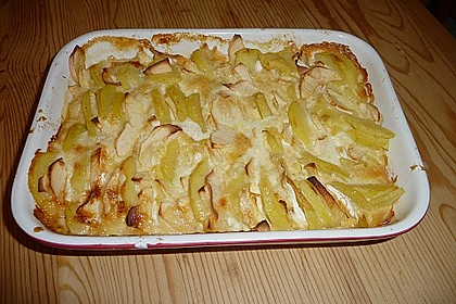 Kartoffel-Apfel-Auflauf mit Camembert 5