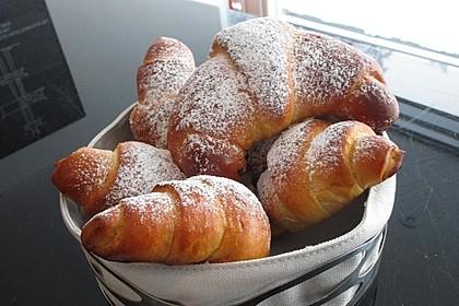 Croissants und Pains au chocolat (Bild)