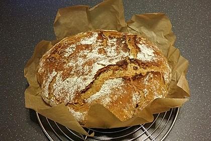 Rustikales Brot im Bräter 69