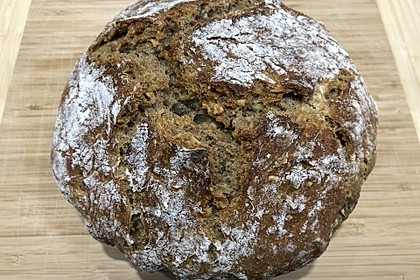 Rustikales Brot im Bräter 28