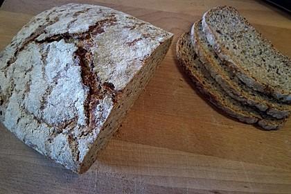 Rustikales Brot im Bräter 29