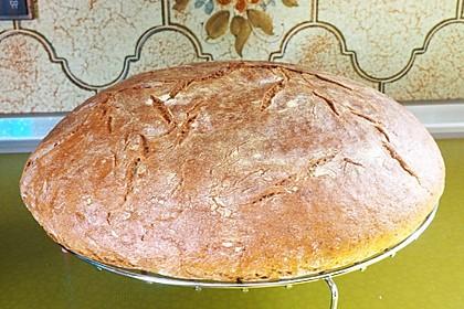 Rustikales Brot im Bräter 27