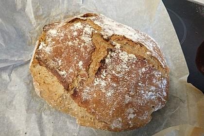 Rustikales Brot im Bräter 5