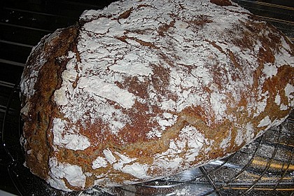 Rustikales Brot im Bräter 99