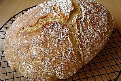 Rustikales Brot im Bräter 10