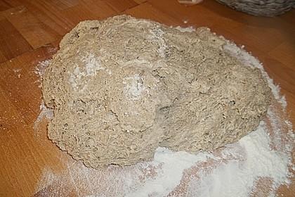 Rustikales Brot im Bräter 141