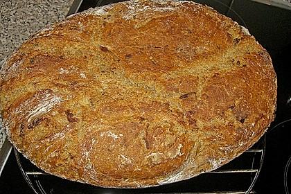 Rustikales Brot im Bräter 45