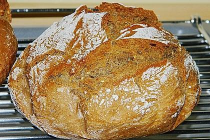 Rustikales Brot im Bräter 4