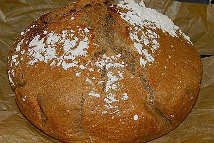 Rustikales Brot im Bräter 17
