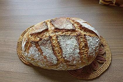 Rustikales Brot im Bräter 30