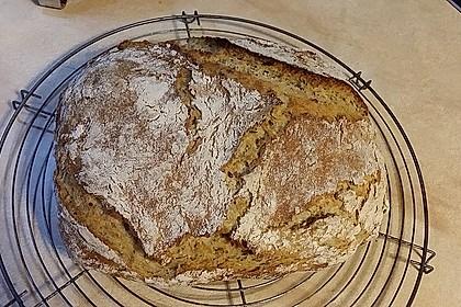 Rustikales Brot im Bräter 139