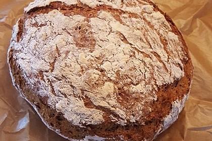 Rustikales Brot im Bräter 112
