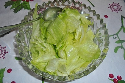 Uromas Eisbergsalat mit Zitronendressing (Bild)