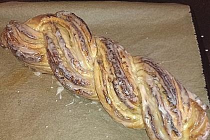 Roros genialer Marzipan - Mandel Hefezopf (Bild)