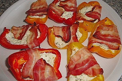 Frischkäse - Paprika - Schiffchen im Speckmantel 9