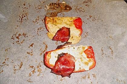 Frischkäse - Paprika - Schiffchen im Speckmantel 74