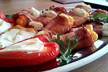 Frischkäse - Paprika - Schiffchen im Speckmantel 11