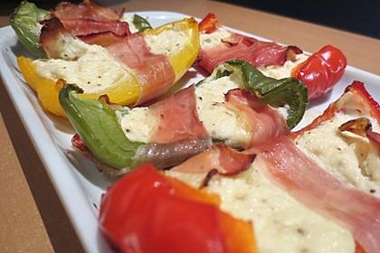 Frischkäse - Paprika - Schiffchen im Speckmantel 10