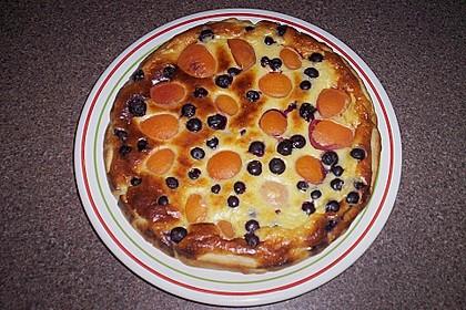 Blätterteigtarte mit Aprikosen und Heidelbeeren 5