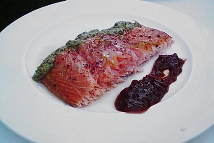Warm geräucherter Lachs mit Kräuter - Vinaigrette 1