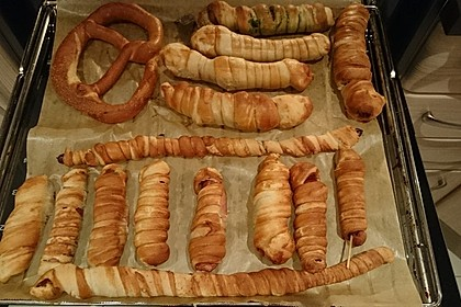 Wiener im Brezenteig 41
