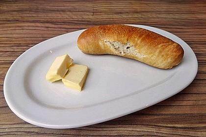 Wiener im Brezenteig 26
