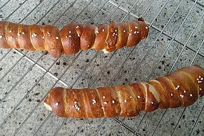 Wiener im Brezenteig 29