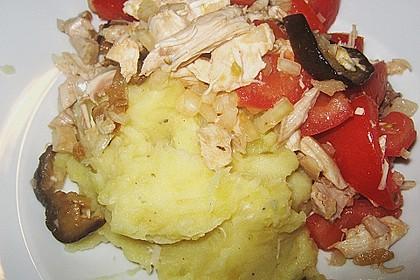 Sommerlicher Restesalat vom 40 Knoblauchzehen - Huhn
