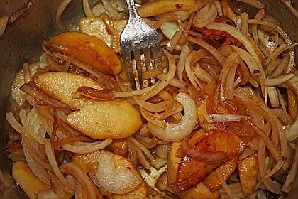Hähnchenröllchen in Apfel - Zwiebel Soße mit Kartoffelpüree 6
