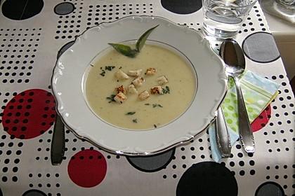 Birnen-Sellerie-Suppe mit Salbei 1