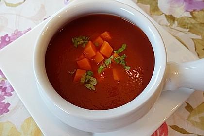 Tomatensuppe mit Möhren und Koriander 3
